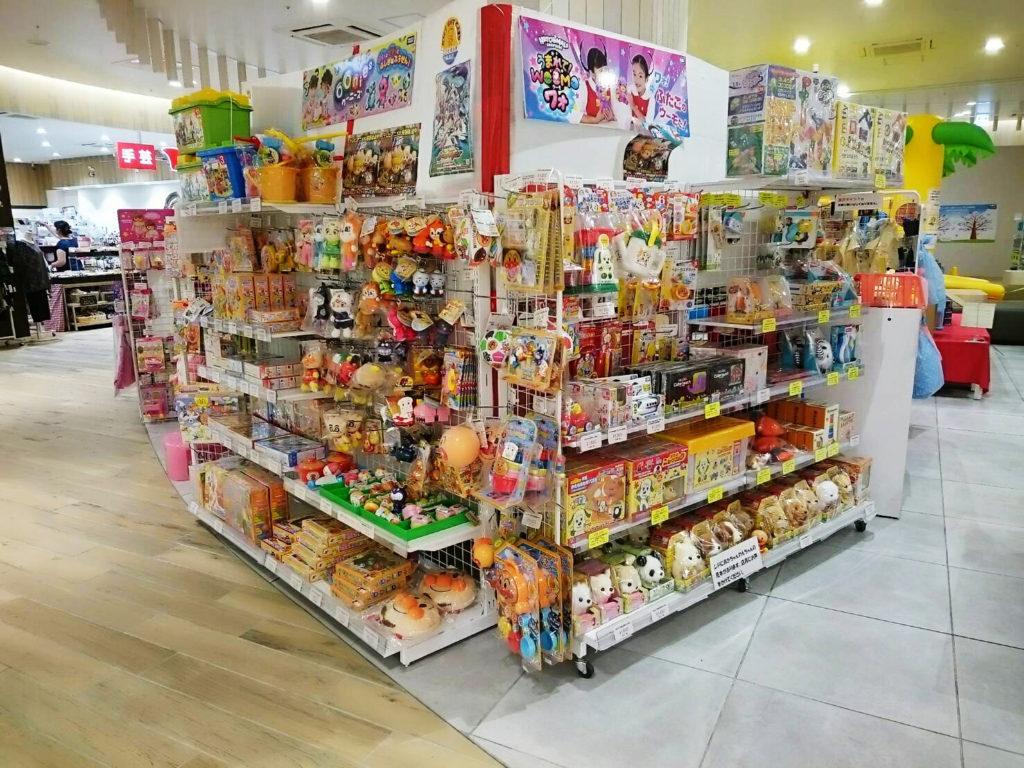 おもちゃのハッピースマイルフレスポ八潮店では大手玩具メーカーキャラクター玩具を取り揃えています